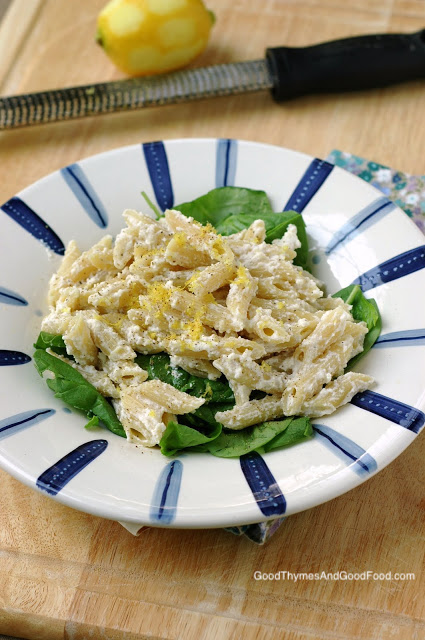 Pasta with Ricotta, Lemon, and Spinach